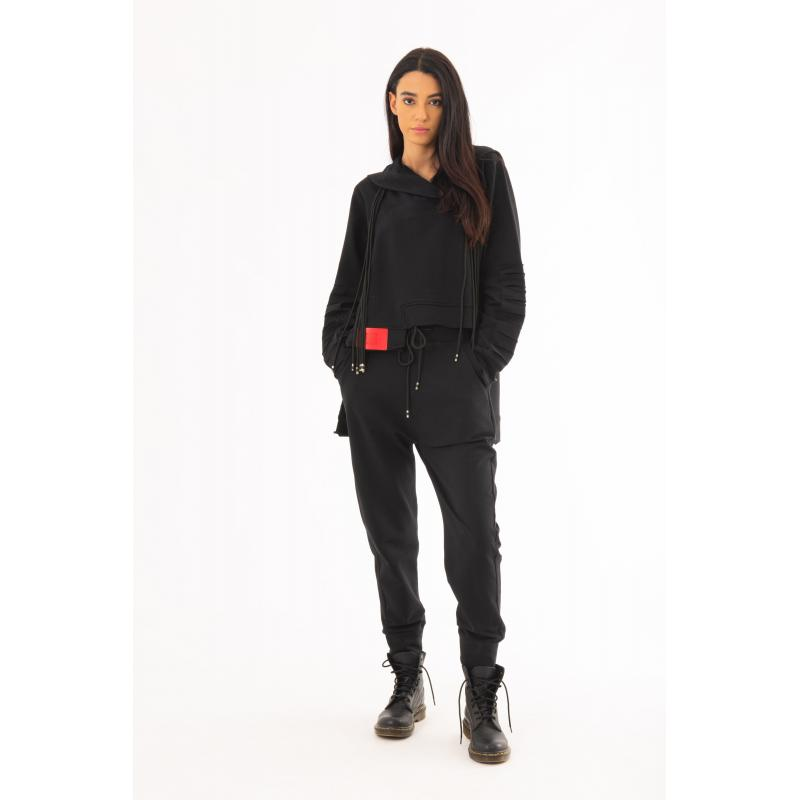 Low Crotch Classic Jogger In Black