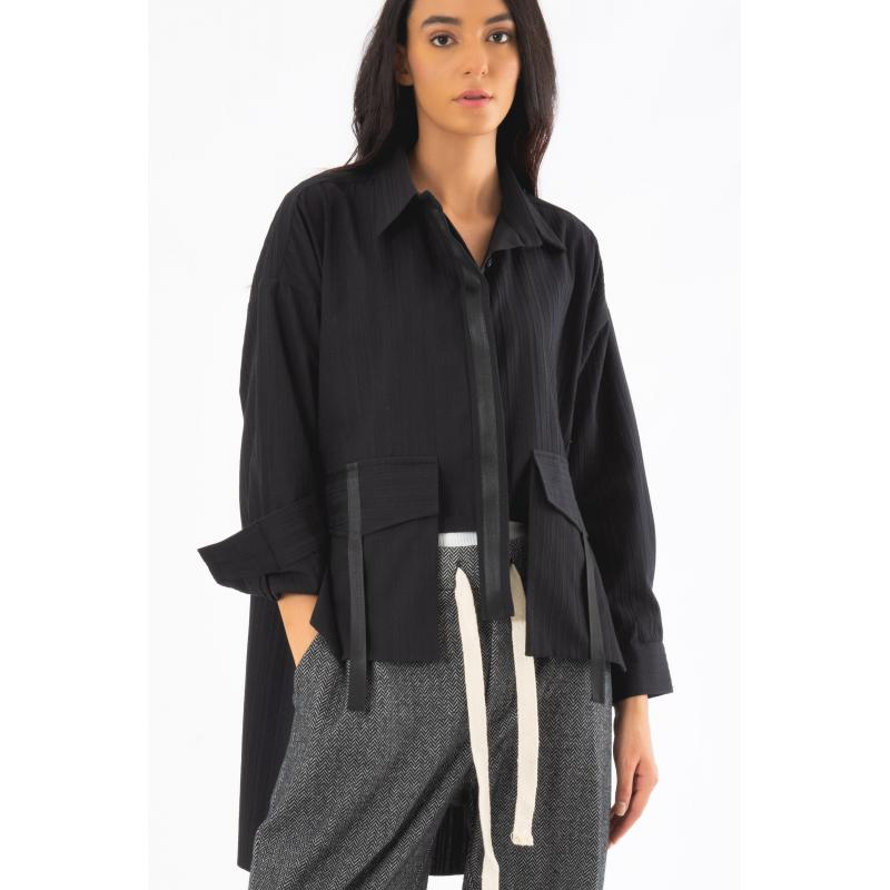 Cropped Cargo Shirt In Black